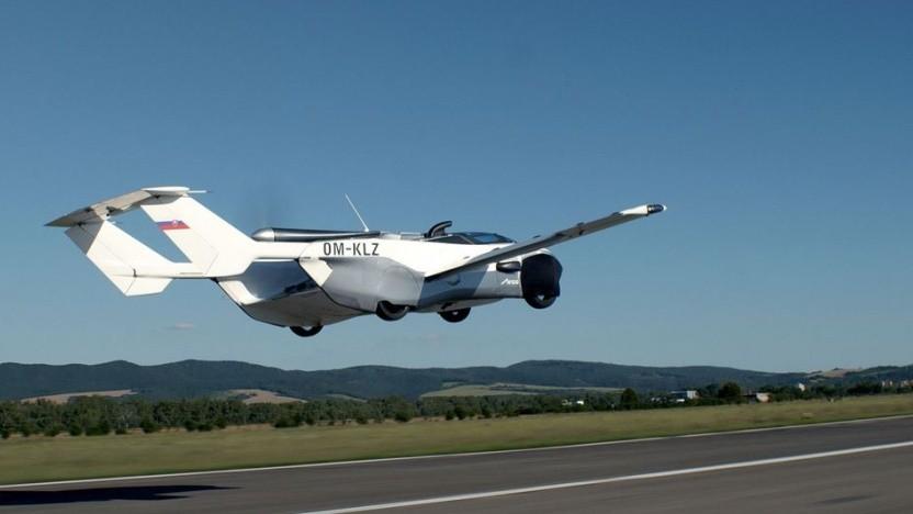 Flugauto Aircar im Flug: Es gibt schon einen Käufer.