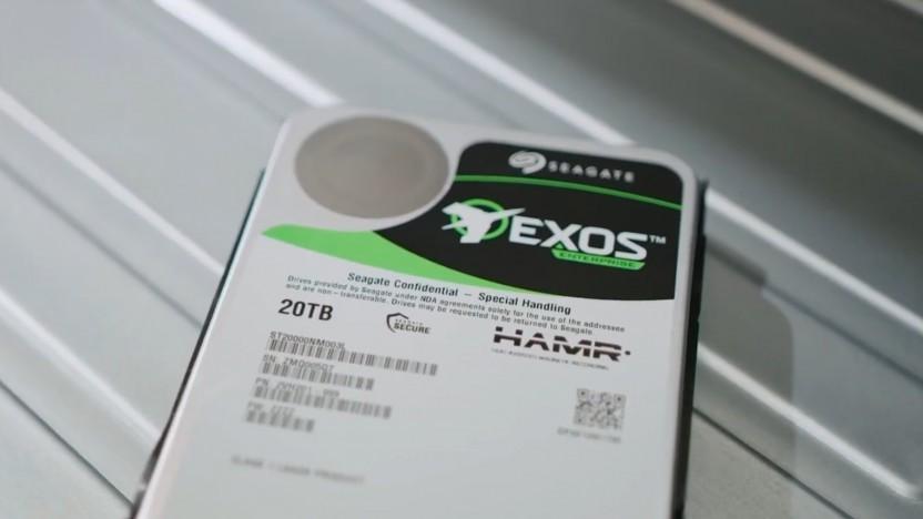 Eine Exos-Festplatte mit HAMR-Technik und 20 TByte