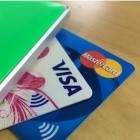 Kontaktloses Bezahlen: Banken müssen bei angezeigtem Kartenverlust haften