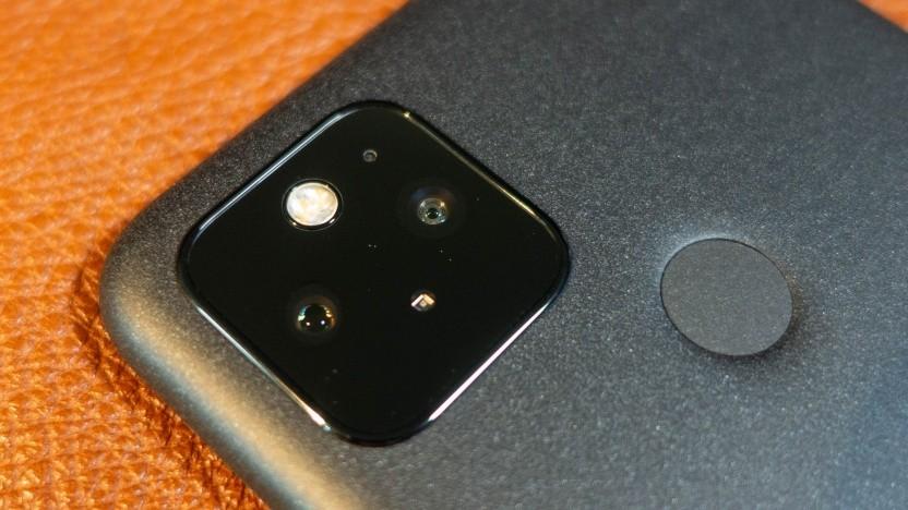 Das Pixel 5 dürfte eines der letzten Pixel-Modelle sein, bei dem Nutzer Fotos kostenlos bei Google speichern können.