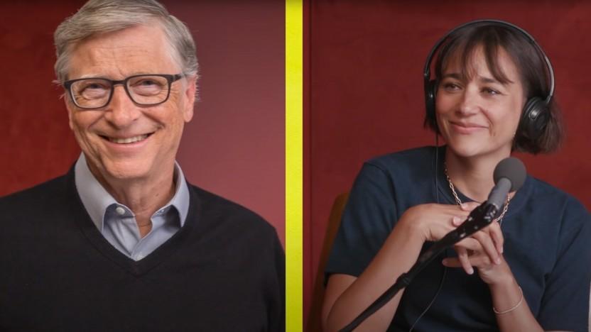 Bill Gates (links) und Rashida Jones (rechts) reden im Podcast über Zukunftsthemen.