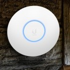 Ubiquiti Unifi 6 Lite / Long Range: Wi-Fi-6-Access-Points für die Lagerhalle