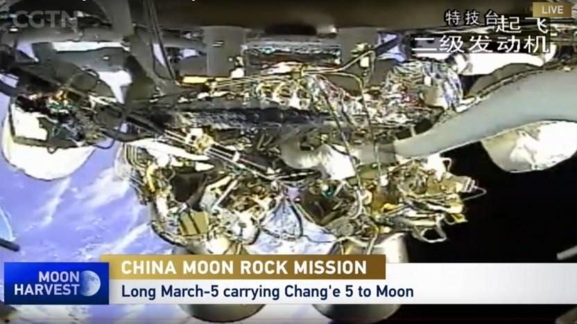 Die Raumsonde ist erfolgreich von der Erde gestartet und befindet sich auf dem Weg zum Mond.