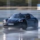 Elektroauto mit Weltrekord: Porsche Taycan driftet 42 km weit
