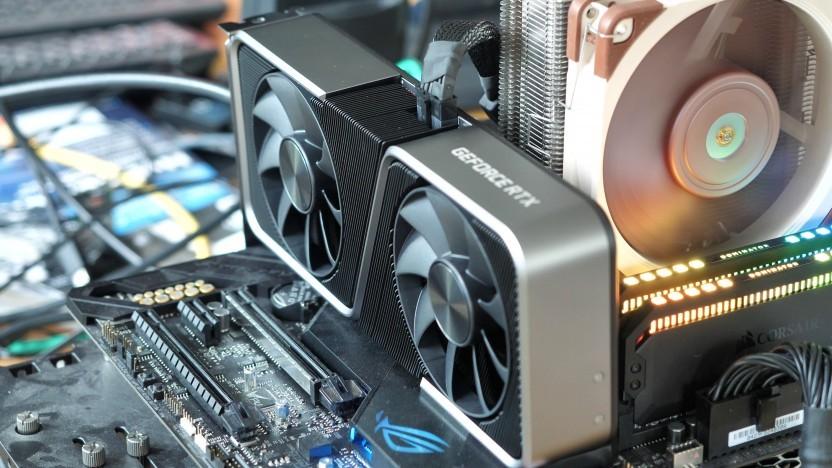 Die RTX 3060 Ti ist bis auf die Farbe identisch zur RTX 3070.