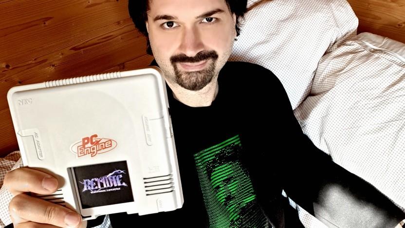 Der Musiker Remute mit seinem neuen Album in einer PC Engine
