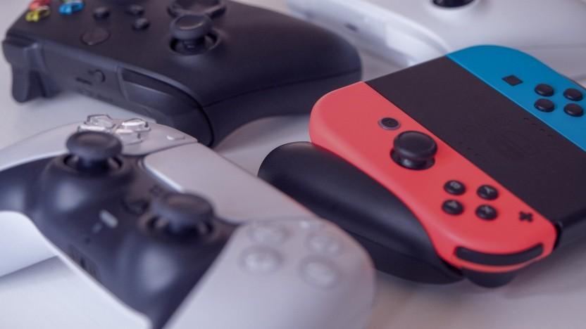 Gamepads von Playstation 5, Xbox Series X und Nintendo Switch