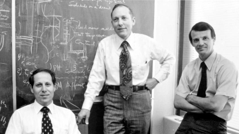 Robert Maurer, Peter Schultz und Donald Keck schaffen den Durchbruch bei Glasfaser.