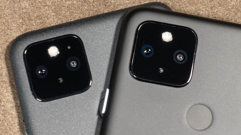 Zwei Smartphones von Google