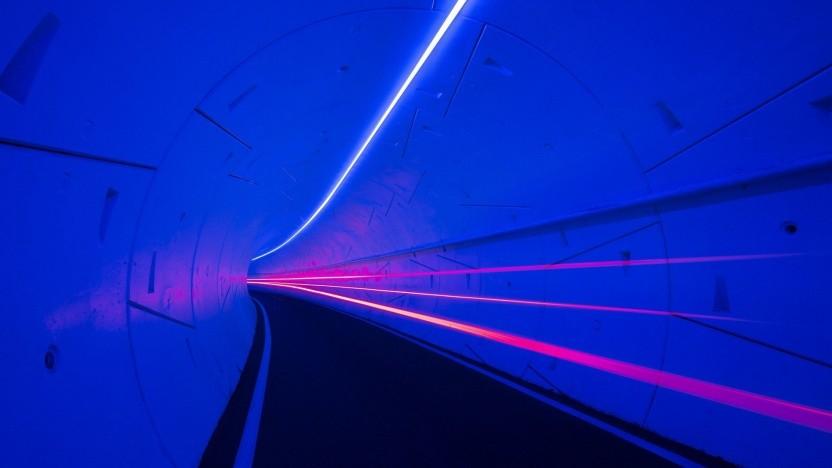 Tunnel unter Las Vegas: Kleinbus für 16 Passagiere auf der Basis eines Tesla Model 3