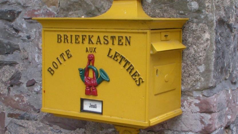 """Eine Behörde, die Mails nur von bestimmten """"bekannten Anbietern"""" möchte? Das fanden wir seltsam - und haben nachgehakt."""