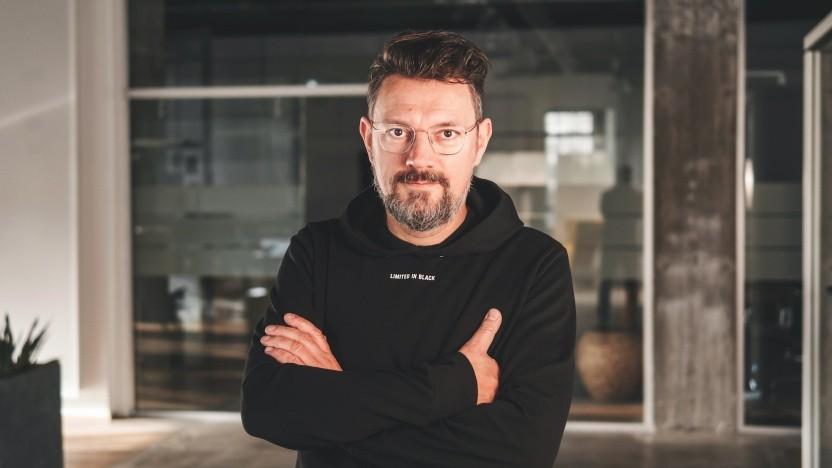 Okay, selbst bei Comspace geht es nicht ganz ohne Chef: Andreas Kämmer ist geschäftsführender Gesellschafter, in den Teams darunter gibt es aber keine starren Hierarchien.