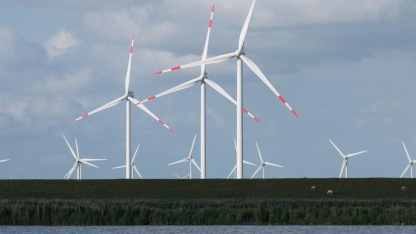 Windräder an der Nordseeküste (Symbolbild): Stromkunden bezahlen Strom, der nicht erzeugt wird.