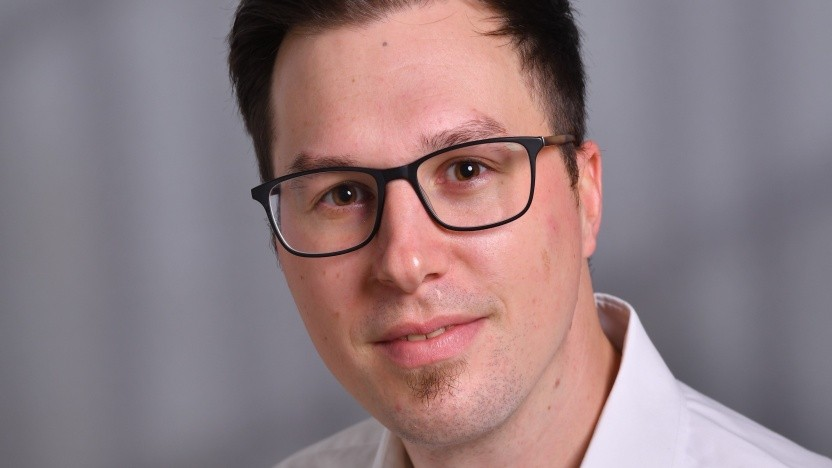 Tim Knechtel hat erst BWL studiert und später noch ein Masterstudium in Data Science und Business Analytics aufgenommen.