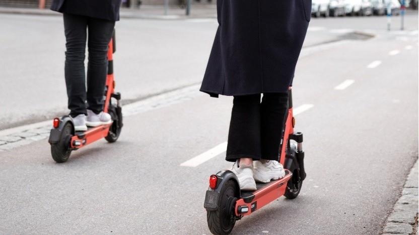 Die Zahl der E-Scooter-Unfälle mit Personenschaden stieg im Frühjahr und Sommer an.