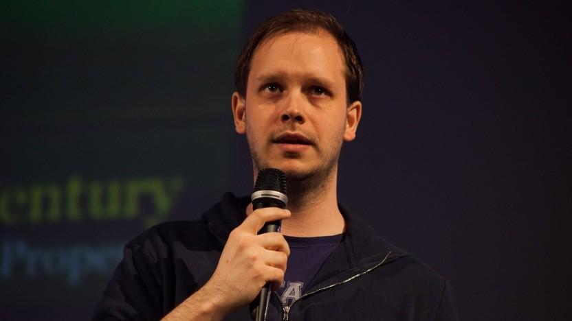 The-Pirate-Bay-, Ipredator-, Flattr- und Njalla-Gründer Peter Sunde Kolmisoppi auf einer Konferenz