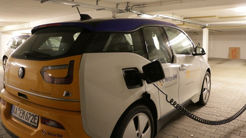 Das Laden von Elektroautos soll stärker von der Netzbelastung abhängig gemacht werden.
