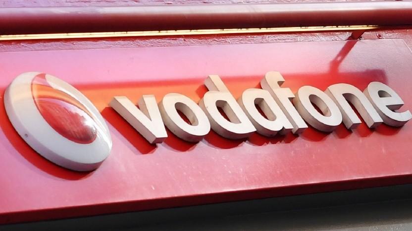 Als erster Mobilfunknetzbetreiber lässt Vodafone das EU-Roaming in Großbritannien auslaufen.