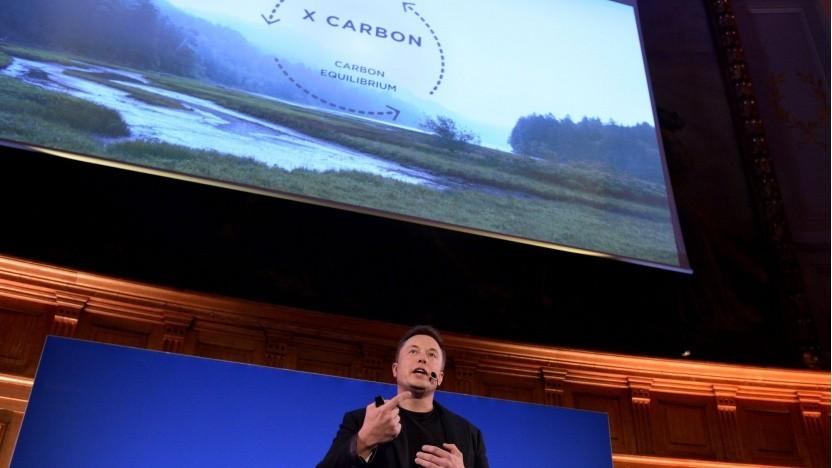 Elon Musk (beim einem Vortrag bei der Pariser Klimakonferenz 2015): Das Kohlendioxid muss aus der Atmosphäre.