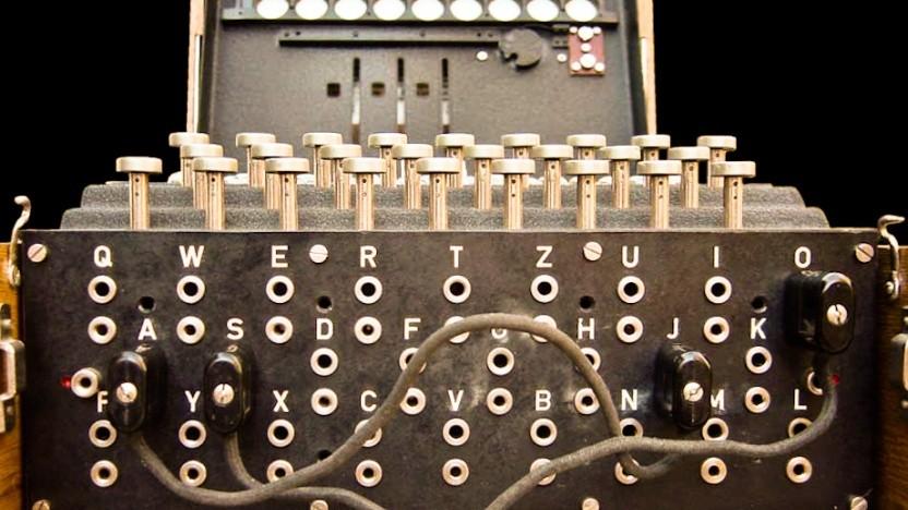 Die Enigma-Maschine nutzte Walzen und einen geheimen Schlüssel für das Chiffrieren.