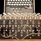 Chiffriermaschine: Taucher bergen sechs Enigmas aus dem Zweiten Weltkrieg