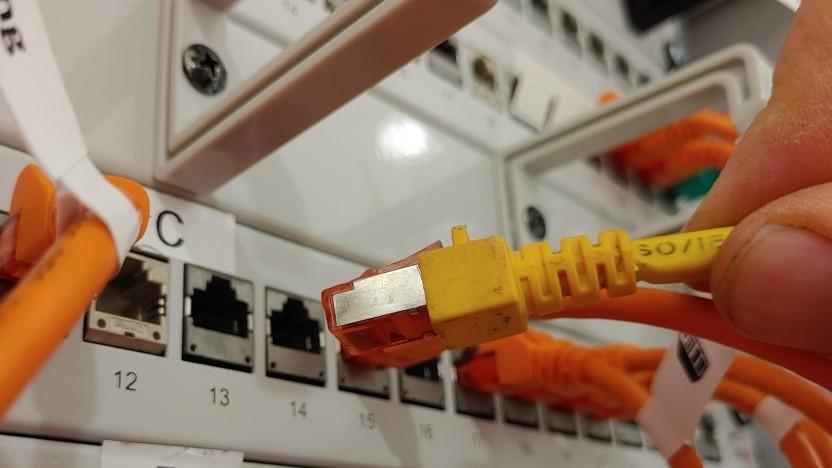 Ethernet-Kabel: Über eine Woche Lieferzeit