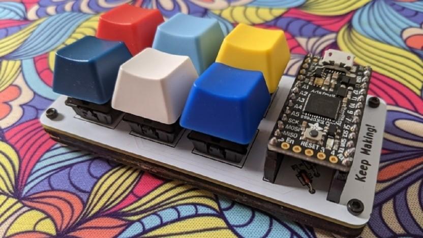 Das BYO Mechanical Keyboard kann als Bausatz oder schon zusammengebaut gekauft werden.