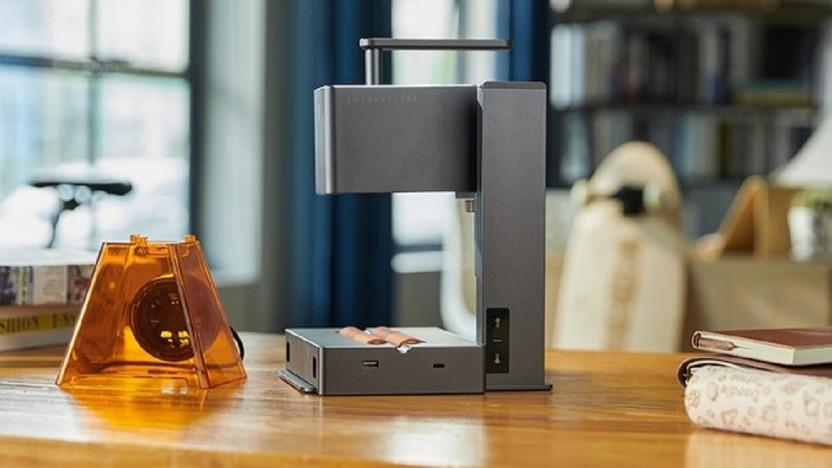Der Laserpecker 2 ist ein ziemlich kompakter Laserschneider.