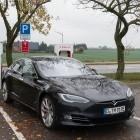 Model S und Model X: Tesla ruft 135.000 Elektroautos zurück