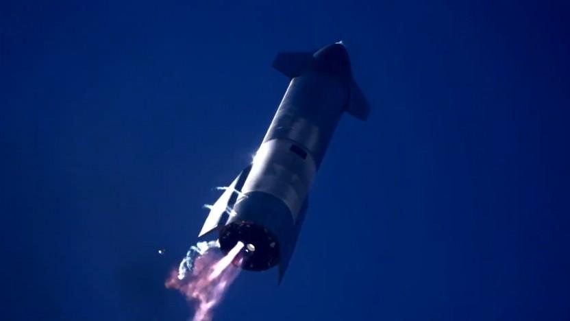 Das Starship beim Landeanflug: Das linke Triebwerke zündete nicht richtig.