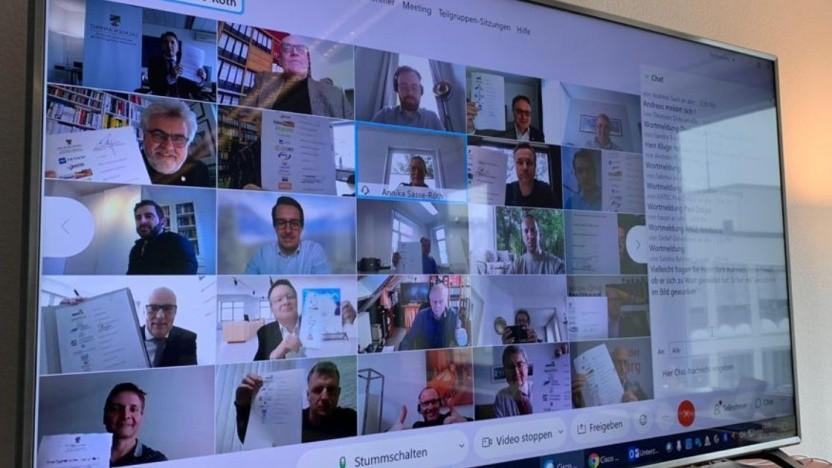 Die Videokonferenz zur Vertragsunterzeichnung
