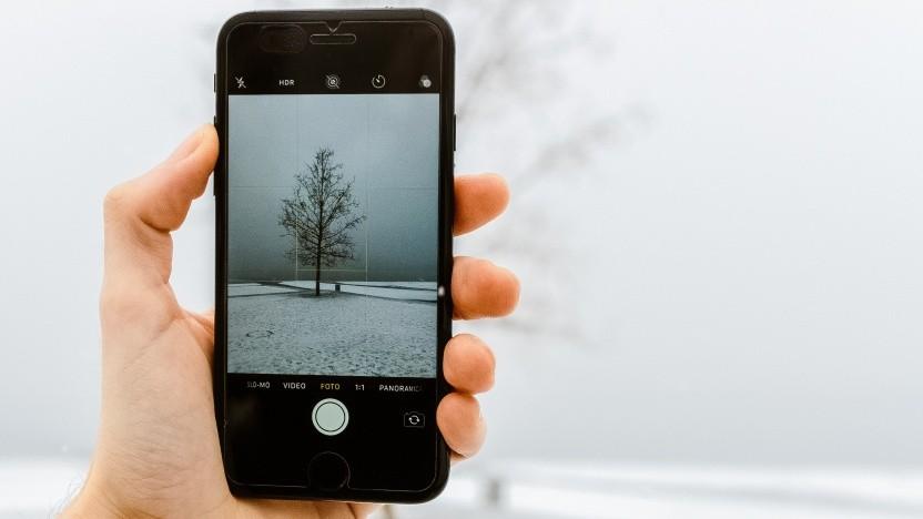 Smartphone im Winter - das kann schiefgehen.