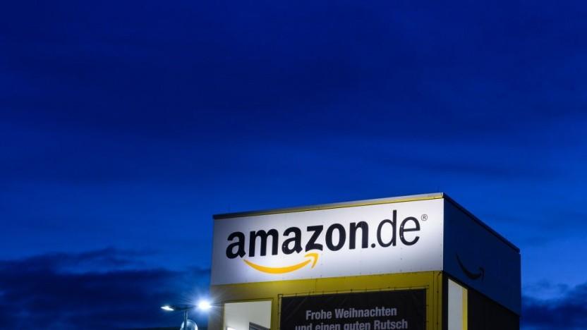 Bei Amazon in Leipzig liegt zu viel Schnee auf dem Dach.