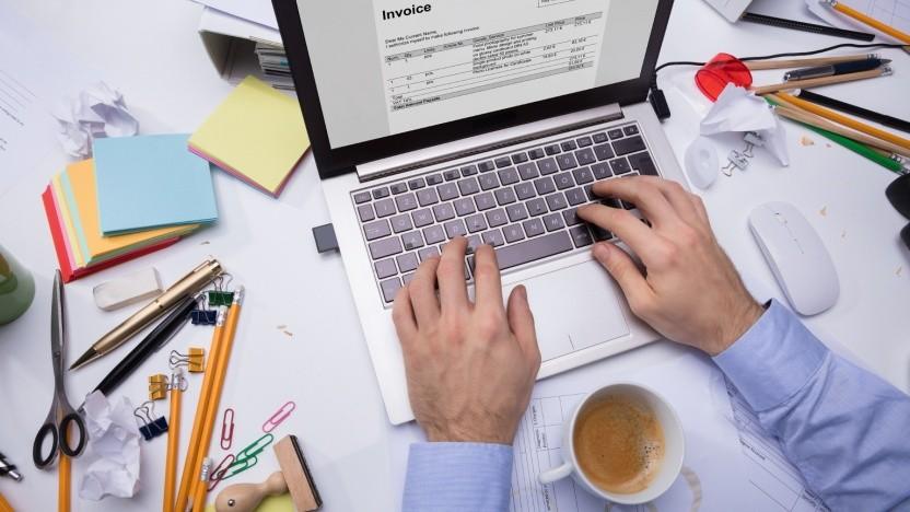Chaos auf dem heimischen Schreibtisch lässt oft keine Konzentration zu: Das lässt sich aber ändern.