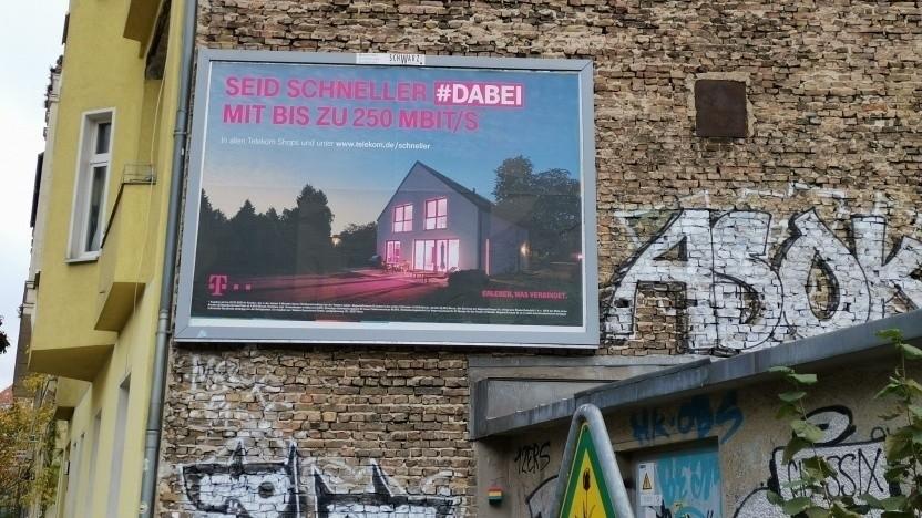 Super-Vectoring-Werbung der Telekom in Berlin