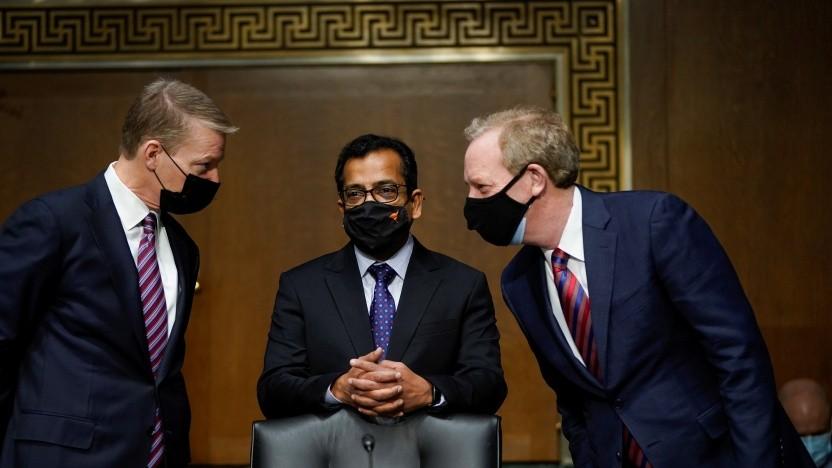 Fireeye-CEO Kevin Mandia, Solarwinds-CEO Sudhakar Ramakrishna und Microsoft President Brad Smith bei der Anhörung im US-Senat (v. l. n. r.)