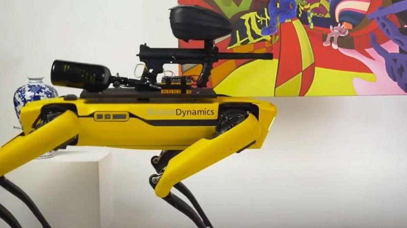 Der bewaffnete Roboterhund Spot von Boston Dynamics