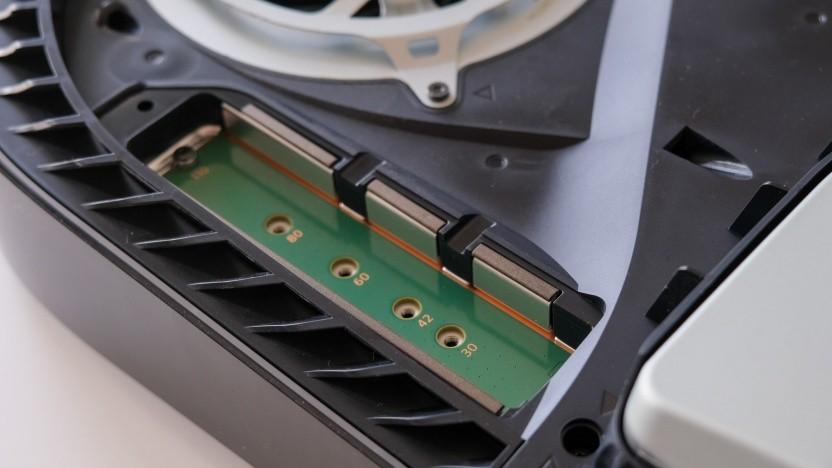 In diesen Slot kommt die zusätzliche SSD.