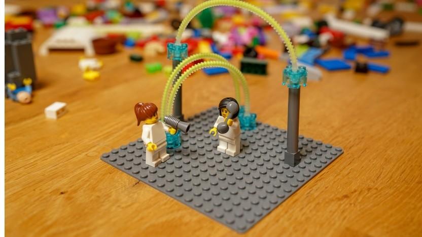 Bei Lego-Serious-Play-Workshops bauen Teams ihre Arbeitswelt nach.