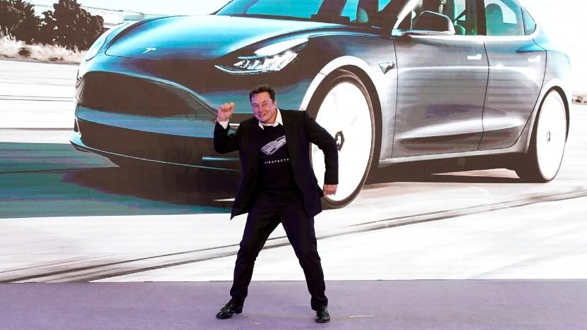 Elon Musk bei einer Auslieferungsveranstaltung für die in China hergestellten Model 3 in Schanghai 2020