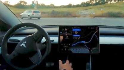 Tesla Full Self-Driving in Aktion