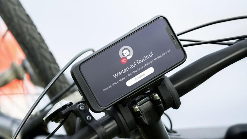 Der Help-Connect-Service von Bosch ruft nach einem erkannten Unfall automatisch Hilfe.