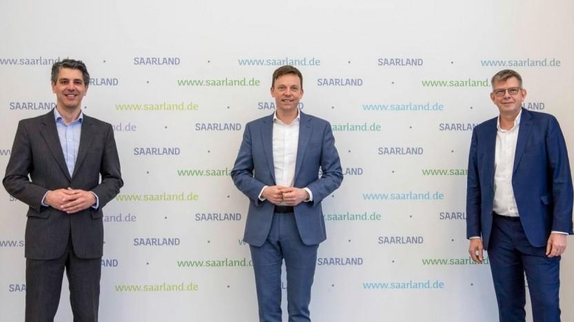 v.l.n.r.: David Zimmer, Gründer von Inexio, Tobias Hans, Ministerpräsident des Saarlandes, und Thorsten Dirks, CEO von Deutsche Glasfaser.