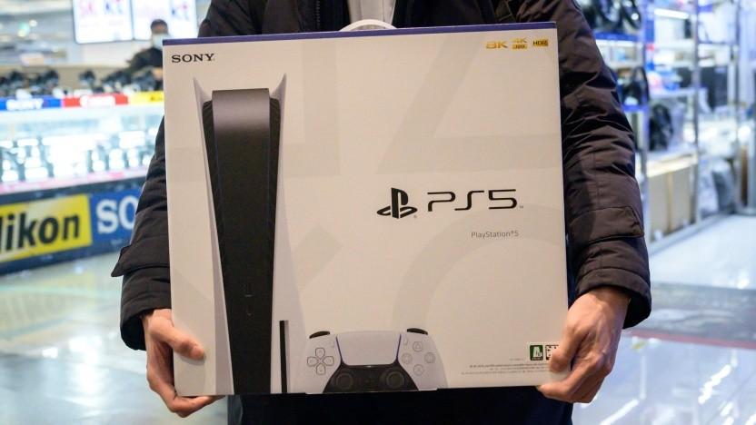 Playstation 5 in einem Elektronikmarkt