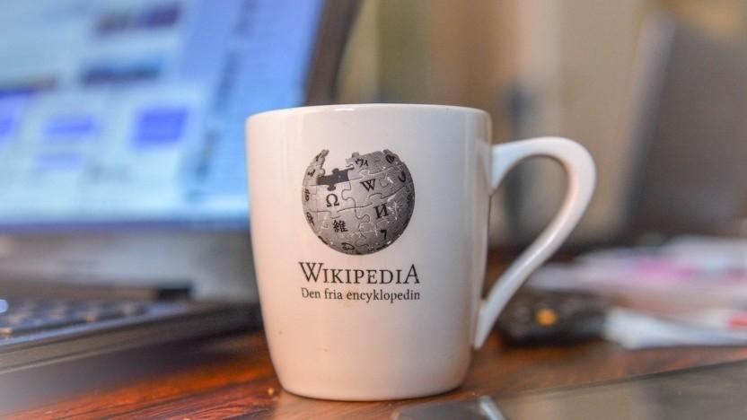 Große Unternehmen sollen künftig für ihre Wikipedia-Nutzung  bezahlen.