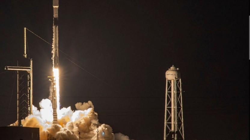 Start mit Starlink-Satelliten