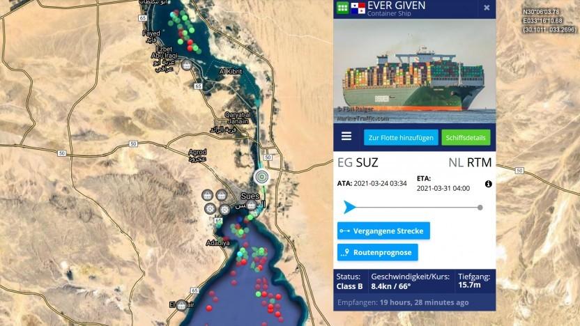 Das Containerschiff Ever Given steckt im Suezkanal fest.