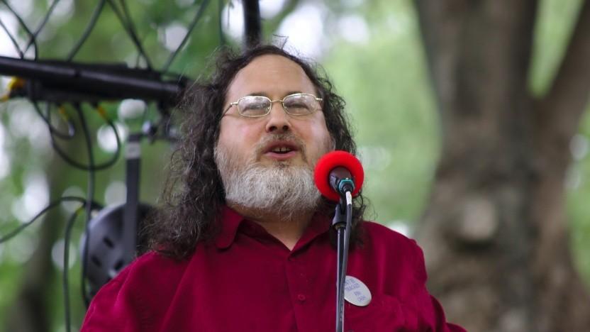 Richard Stallman ist zwar vorerst wieder im Vorstand der FSF. Nach Kritik sollen die Regeln für den Vorstand nun aber geändert werden.
