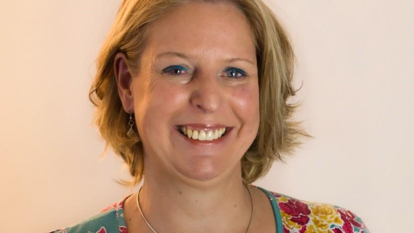 Claudia Kimich hat Informatik studiert, coacht seit vielen Jahren, macht Workshops und hält Vorträge.