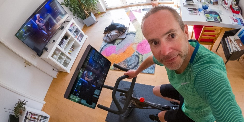 Bike+ im Test: Peloton ist Wohnzimmersport zwischen Jailbreak und Jukebox
